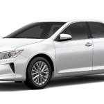 Toyota Camry Putih