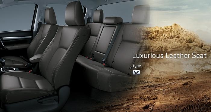 Interior Toyota Hilux D Cab 4