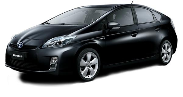Toyota Prius Hitam