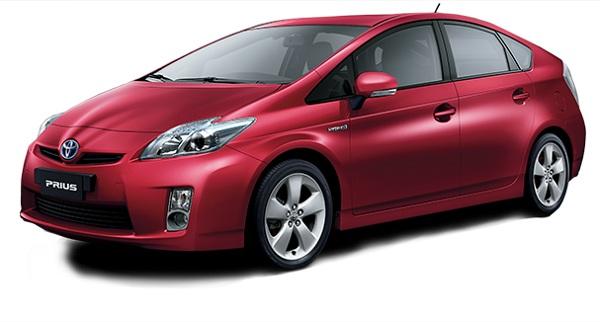 Toyota Prius Merah