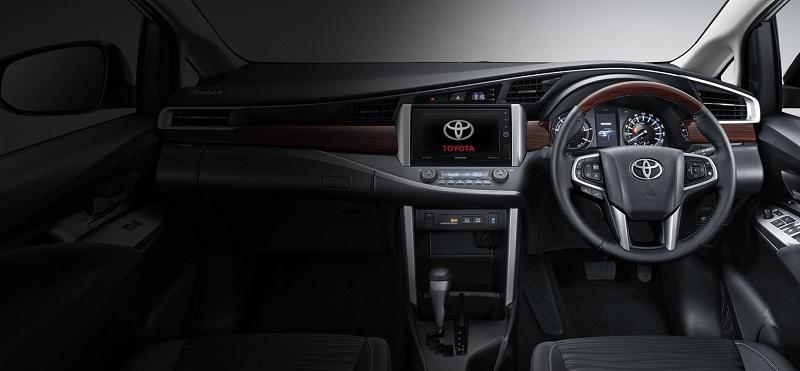 Interior Toyota Venturer