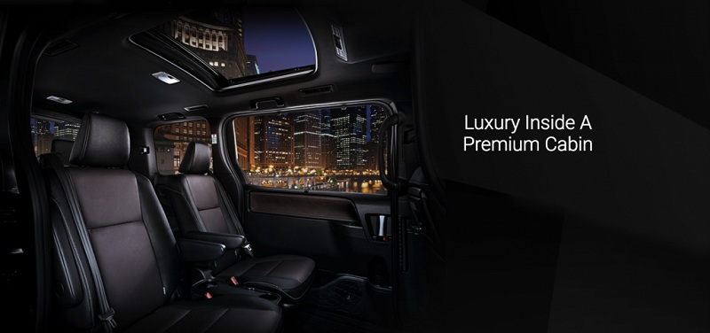 Interior Toyota Voxy 2