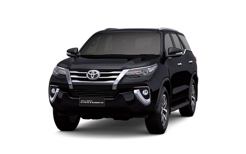 Toyota New Fortuner Hitam