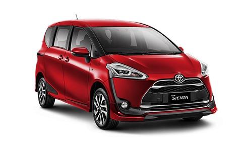 Toyota Sienta Merah